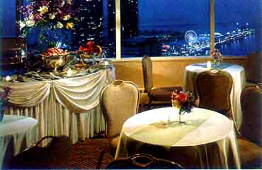 View of Dining at the Swissotel Chicago
